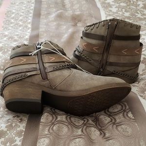 Jellypop Shoes - New super cute booties